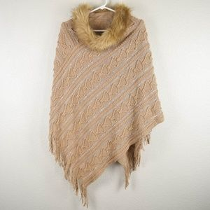 Soft Knit OS Sweater Poncho Coverall Wrap Faux Fur